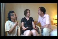 団地妻を狙う変態2人組のナンパ日記…4