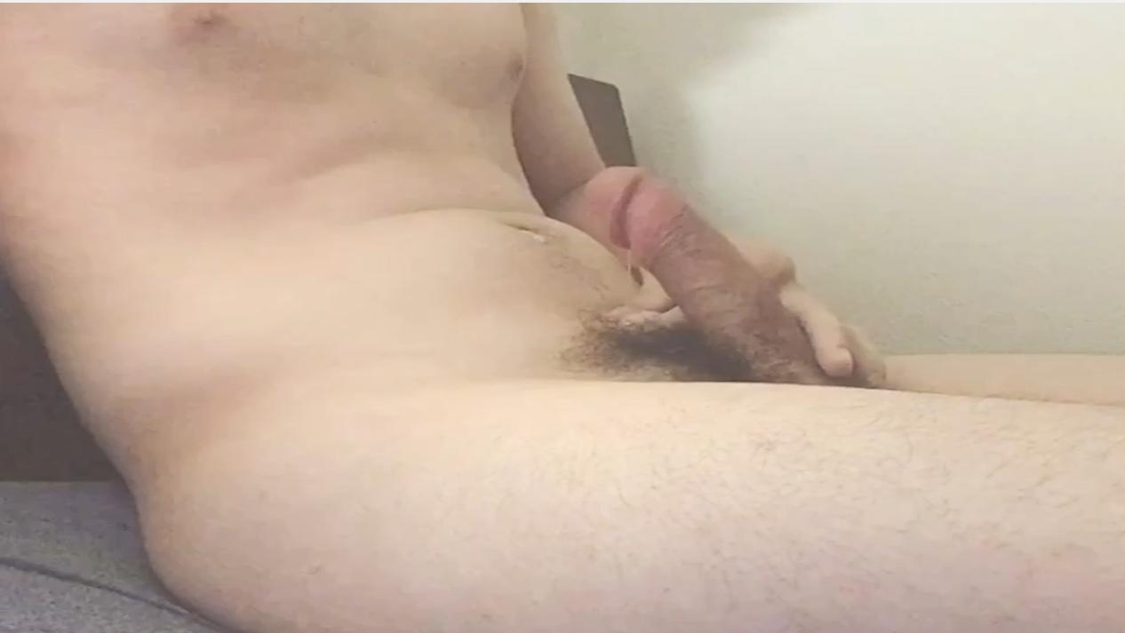 オナニー動画投稿しました! 初めての動画です。ぜひ感想や要望聞かせてください #裏垢男子